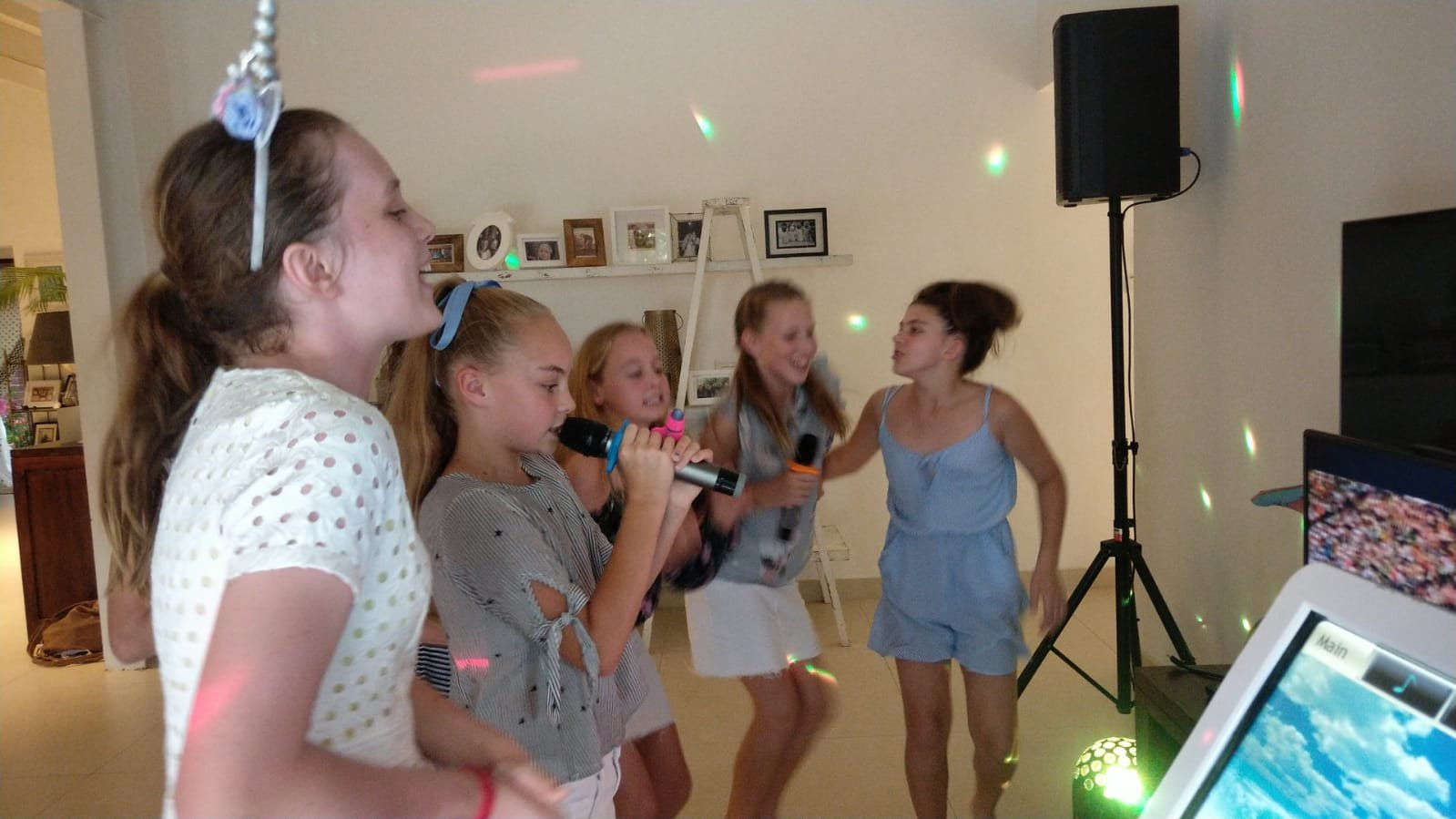 Mobile Karaoke enhances the fun at home parties regardless of age